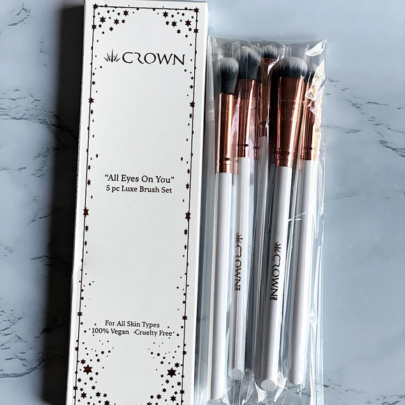 """Crown Brush """"All Eyes on You"""" 5pcs luxe brush set"""